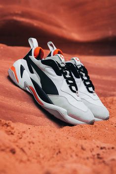 Sneakerness PUMA Thunder Astroness Release Sneakers Footwear Germany Kicks France Francky B Marseille Alonzo Mars Space Sand Instagram collaboration festival convention september 15 16 2018 drop release date paris exclusive 201 Puma Original, Dad Shoes, Men's Shoes