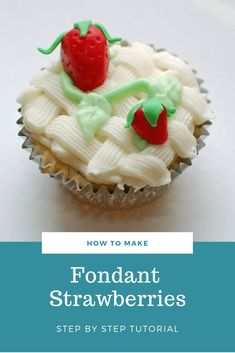 Step-by-step tutorial on how to make fondant strawberries. Perfect for summer cakes and cupcakes! Strawberry Topping, Strawberry Cupcakes, Fondant Cupcake Toppers, Cupcake Cakes, Cake Smash Photography, Photography Tips, Basic Cake, Summer Cakes, Delicious Cake Recipes