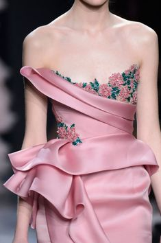 Marchesa, Fall 2016 - The Most Beautiful Runway Details of Fall 2016 - Livingly
