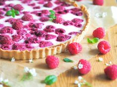 Mummon Vadelmapiirakka (myös vegaaninen) | Annin Uunissa Pie Recipes, Vegan Recipes, Vegan Food, Sweet Pie, Yummy Cakes, Cheesecake, Deserts, Food And Drink, Pudding