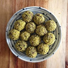 Raw Cacao & Cashew Bliss Balls / Balls: 8x small dates soaked in hot water until soft 2 generously heaped tbs cashew butter 2 generously heaped tsp raw cocao powder 1 tsp pure vanilla extract 1 tbs honey. Crumb: 1 tbs shredded coconut Handful of Pistachios / Method: Blend crumb ingredients until fine, put aside. Blend everything else until combined, roll into a length, divide into equal portions, shape into balls, then roll into crumb. Chill to set. *Can be frozen for future chocolate…