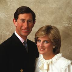 Lovely official photo of the Prince & Lady Diana commemorating their engagement & wedding. http://www.london4vacations.com/
