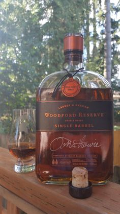 Bourbon Whiskey Brands, Good Whiskey, Cigars And Whiskey, Scotch Whiskey, Small Batch Bourbon, Alcohol Bottles, Wine And Liquor, Wine And Spirits, Alcoholic Drinks