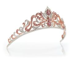 Linney's Argyle Pink Diamond Tiara. The Queen had the Williamson Pink solitaire diamond set in the center of a flower spray brooch by Cartier the year of her coronation.