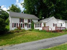 Nicole Weissinger with Randall, Realtors Real Living: 188 PUTNAM PIKE, Killingly, CT 06241 - Killingly Real Estate