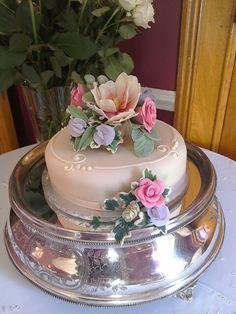 Pink room celebration cake Cake Blog, Pink Room, Celebration Cakes, Celebrities, Desserts, Food, Shower Cakes, Tailgate Desserts, Celebs