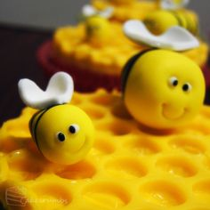 Honey Bee Cupcakes by ^cakecrumbs on deviantART