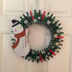 Festive Crafts, Holiday Crafts, Christmas Crafts, Christmas Decorations, Christmas Ornaments, Christmas Christmas, Snowman Wreath, Diy Snowman, Wreath Crafts