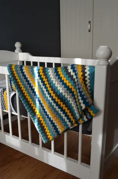 Babydeken voor Chris – Soft and Silly Crochet Men, Manta Crochet, Crochet Baby Shoes, Crochet Gifts, Diy Crochet, Striped Crochet Blanket, Easy Crochet Blanket, Crochet Blanket Patterns, Kids Blankets