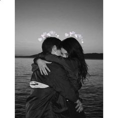•Pinterest : V E E • Elegant romance, cute couple, relationship goals, prom, kiss, hugging, dating, love, tumblr, grunge, hipster, aesthetic, boyfriend, girlfriend, teen couple, young love image