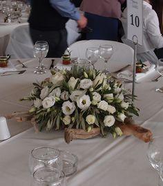 driftwood centerpieces wedding Δεξιωση γαμου στολισμός στο τραπέζι.φρέσκα άνθη με θαλασσόξυλα..Δεξίωση | Στολισμός Γάμου | Στολισμός Εκκλησίας | Διακόσμηση Βάπτισης | Στολισμός Βάπτισης | Γάμος σε Νησί & Παραλία. Table Decorations, Wedding, Inspiration, Furniture, Home Decor, Valentines Day Weddings, Biblical Inspiration, Decoration Home, Room Decor