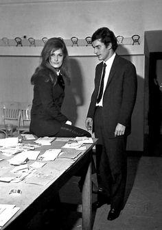 1967, Dali et son petit ami chanteur italien Luigi Tenco dont le suicide au Festival de San Remo l'anéantira.