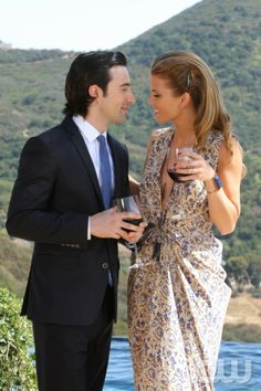 "90210 -- �The Sea Change� -- Image: NO502b_0409 â�"" Pictured (L-R): Josh Zuckerman as Max and AnnaLynne McCord as Naomi -- Photo: Scott Humbert/The CW -- ©2012 The CW Network. All Rights Reserved."