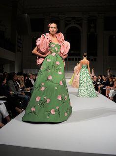 Haute couture glory Oscar de la Renta