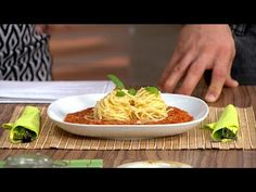 Vöröslencse bolognai - Díjnyertes recept! - LovelyVeg Bologna, Cabbage, Vegetables, Youtube, Food, Essen, Cabbages, Vegetable Recipes, Meals