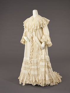 Negligée Date: ca. 1902 Culture: American Medium: cotton. Front