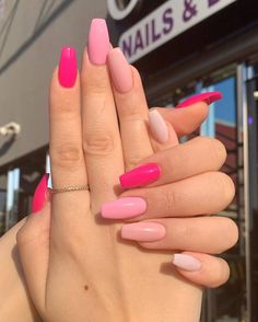 In seek out some nail designs and ideas for your nails? Here is our set of must-try coffin acrylic nails for stylish women. Acrylic Nails Coffin Short, Simple Acrylic Nails, Pink Acrylic Nails, Acrylic Art, Acrylic Nail Designs For Summer, Pink Acrylics, Bright Summer Acrylic Nails, Easy Nails, Colorful Nails