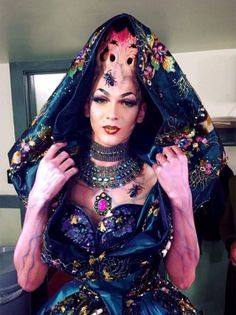 Violet Chachki's look for RuPaul's Drag Race Season 8 Grand Finale - one of the most amazing drag looks! Oh my...!