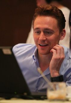 Tom Hiddleston in Beijing. Via Twitter.