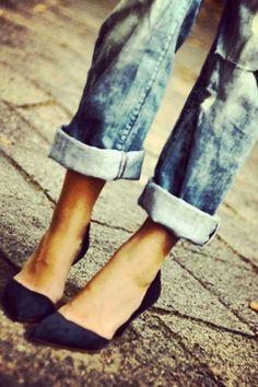 boyfriend jeans and pointy heels <3