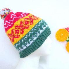 Ei litt tradisjonell norsk lue i kjente påskefarger Crochet Pattern, Crochet Top, Knitted Hats, Crochet Hats, Ancient Symbols, Ear Warmers, Ravelry, Headbands, Diy And Crafts