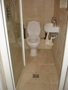 Small Wet room idea | basement | Pinterest