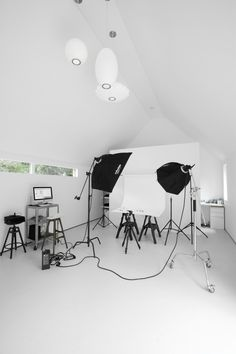 Photo studio in your backyard.except id want a graphic design/drawing studio with a huge ass awesome printer :D Home Studio Photography, Photography Business, Home Photo Studio, Photography Degree, Mirror Photography, Photography Movies, Photography Hashtags, Fair Photography, Proposal Photography