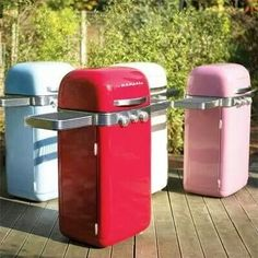 These are cool vintage inspired gas grills.  I want one for my vintage trailer...in red, of course!!!!