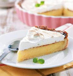Sitruuna-marenkipiiras Gluten Free Recipes, Baking Recipes, Easy Recipes, Finnish Recipes, No Bake Desserts, Cheesecakes, No Bake Cake, Cravings, Easy Meals