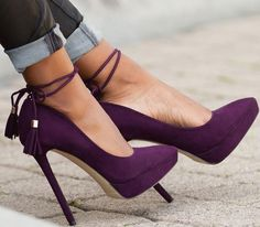 Must-Have Shoes: Casual-Chic Pumps in Black and Purple