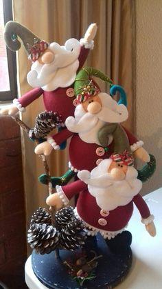 Santa with Reindeer Inner Tube Ornament Christmas Crafts To Make, Polymer Clay Christmas, Felt Christmas Ornaments, Christmas Gnome, Simple Christmas, Christmas Holidays, Nutcracker Christmas, Crochet Christmas, Christmas Fashion