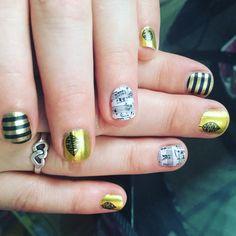 In love with gold and black #sheetmusicjn #cleopatrajn retired #fallfancyjn