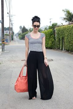 Horizontal, Vertical, and Coral. Starting From The Bottom, Beach Pants, Fashion Addict, Capri Pants, Cute Outfits, Coral, Stripes, Street Style, Couture