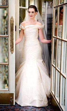 Emma Allen (Anne Hathaway) wearing Vera Wang (style 11456) in the movie, 'Bride Wars'
