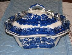 Blue Willow Soup Tureen....this would go well with mamaws blue willow dishes