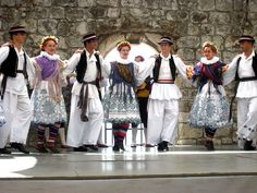 Croatian Folk Costumes: Men's and Women's Croatian Folk Costumes