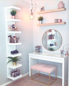 36 Most Popular Makeup Vanity Table Designs 2019 - WG-Zimmer - Furniture Makeup Table Vanity, Vanity Room, Vanity Ideas, Diy Vanity Table, Makeup Tables, Small Bedroom Vanity, Makeup Desk, Teen Vanity, Makeup Rooms