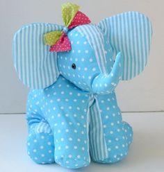 patron couture elephant 20 Plus Elephant Comforter, Elephant Quilt, Elephant Crafts, Elephant Fabric, Elephant Pattern, Sewing Stuffed Animals, Stuffed Animal Patterns, Handmade Soft Toys, Animal Sewing Patterns