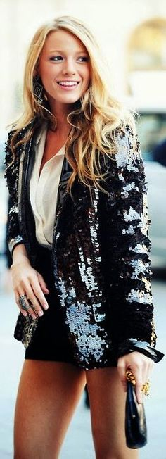 classy & cute~ staple pieces with Sequins bf blazer!