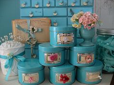 Box. Boxes. Hatboxes. Trinket Boxes. Treasure Chests.  ♥