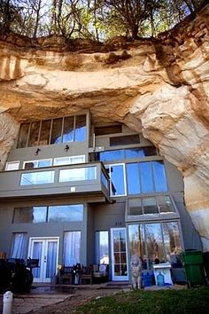 House built in the rocks