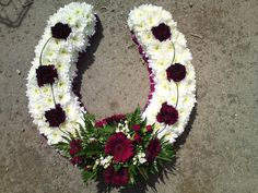 Horseshoe Flowers Funeral images