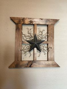 Rustic primitive wood window frame Farmhouse wall decor Primitive star Large wall decor with star and pip garland Rustic primitive wood window frame Farmhouse wall decor Primitive star Large wall decor with star and pip garland Tammy Orr nbsp hellip Rustic Bathroom Wall Decor, Primitive Wall Decor, Primitive Homes, Farmhouse Wall Decor, Rustic Walls, Country Decor, Rustic Wood, Rustic Decor, Country Primitive