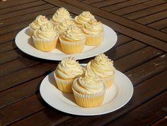 Z ghetta blog: Vanilkové cupcakes s vanilkovým krémem