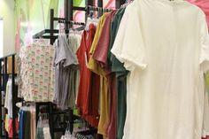 Prendas para mujeres Wardrobe Rack, Closet, Furniture, Home Decor, Dress Shops, Leotards, Feminine, Women, Armoire