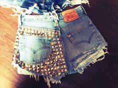 I desperately want these shorts
