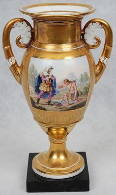 Vaso de porcelana francesa do sec. XIX - Vieux Paris. Decoração em reserva policromada.