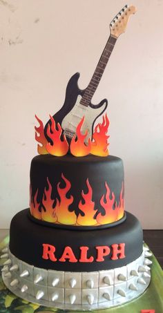 Brilliant Photo of Rock Star Birthday Cake . Rock Star Birthday Cake Resultado De Imagen De Birthday Cake Rock And Roll Rockstar Torte Crazy Cakes, Fancy Cakes, Guitar Birthday Cakes, Guitar Cake, Cake Birthday, Rock And Roll Birthday, Rockstar Birthday, Birthday Music, Music Themed Cakes