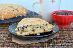 Eggnog Scones – soft flakey scones made with eggnog and chocolate chips #holiday #eggnog http://www.insidebrucrewlife.com