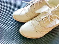 Vintage CREME Oxford Shoes by sarahpang on Etsy, $39.50
